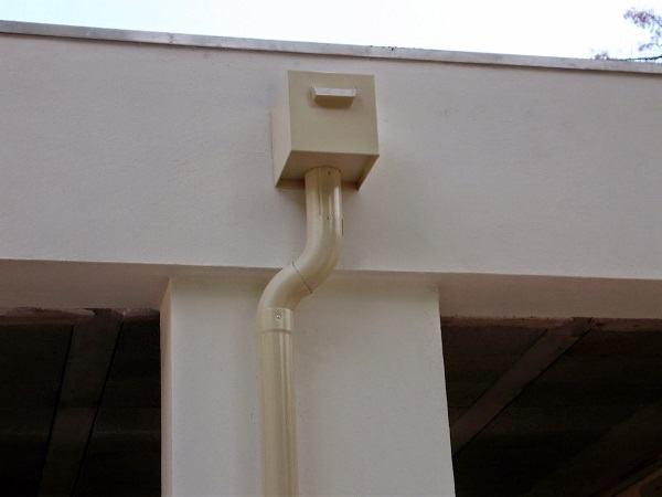descentes d 39 eau en alu laqu db gouttieres fabrication pose de goutti res. Black Bedroom Furniture Sets. Home Design Ideas
